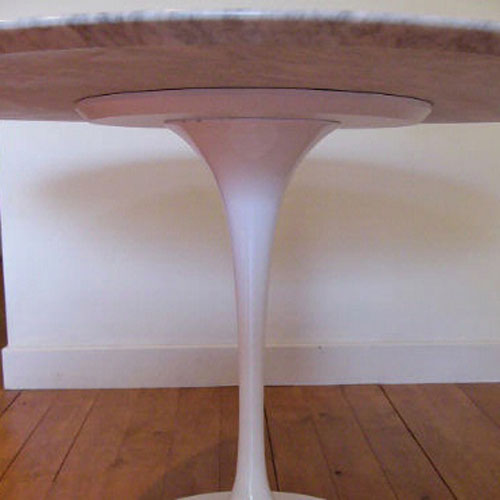 Saarinen tulip oval dining table